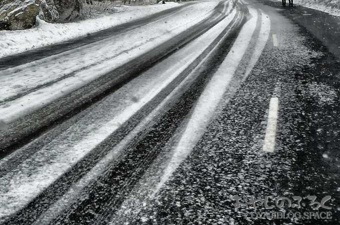 長野市では冬といえば雪、雪が降ると道路に塩カルで車が錆びる。