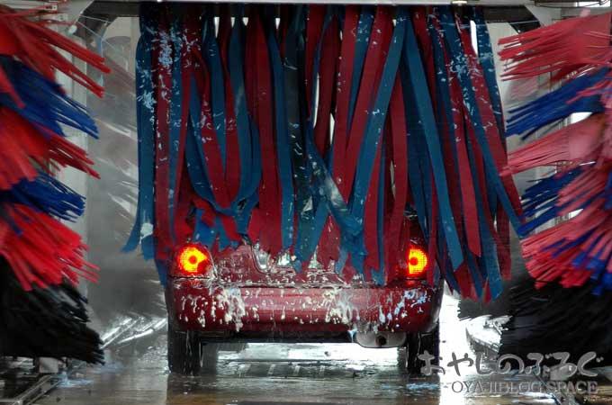 長野市では冬と言えば雪、雪が降ると道路に塩カルで車が錆びる。